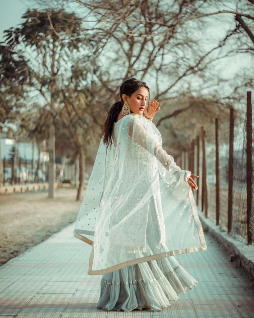 Сари - традиционно индийско облекло