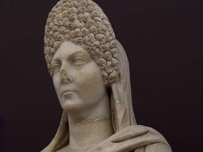 Прическа на древноримска аристократка