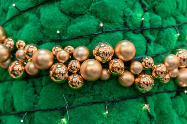 Коледна украса с перли