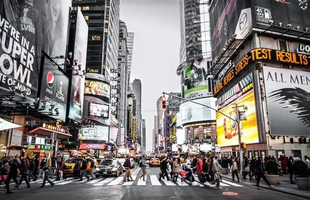 Нюйоркчани са обградени от рклами