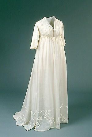 Ефирна рокля от времената на Наполеон