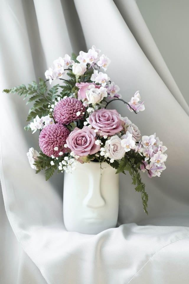 Красива ваза в минимилистичен стил