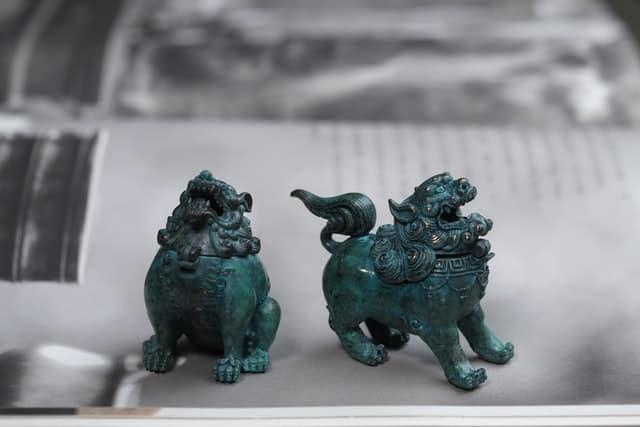 Типични за Китай фигурки, изработени от тюркоаз